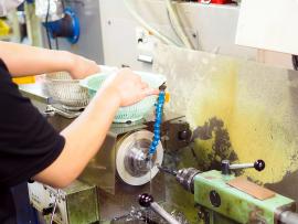 ヤマイチのNC旋盤や自動検査装置による銅製の切削加工品